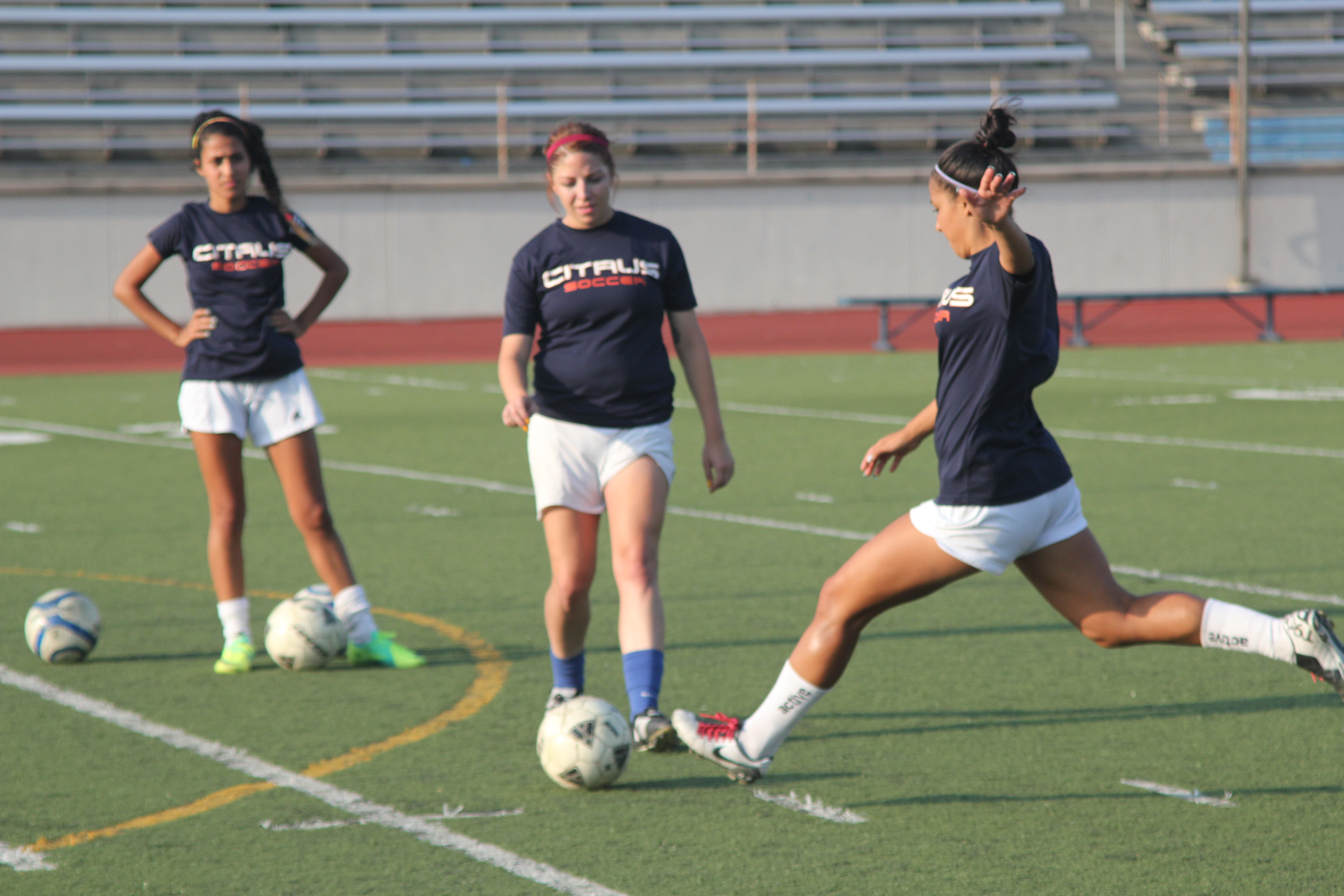 Women's soccer back on track, picks up win in opener ...