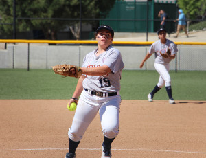 Bartholomy pitches in a game against Glendale College on Thursday, March 24, at Citrus College. (John Michaelides/ Clarion)